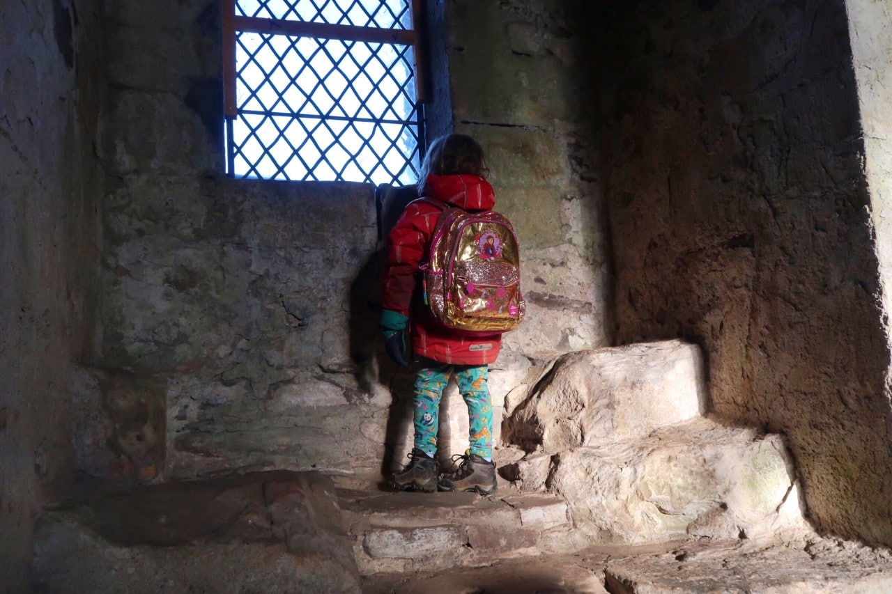 child in Doune castle