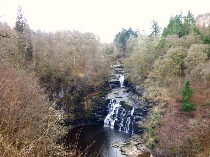 family days out in Scotland, new lanark waterfall