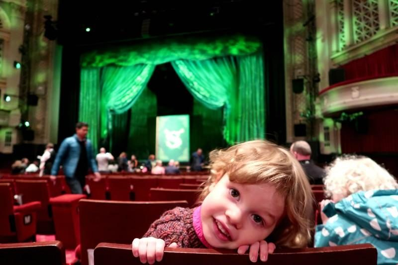 review kids shrek musical