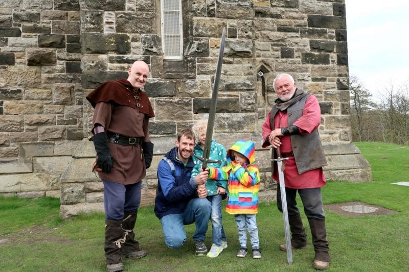 wallace monument sword holding
