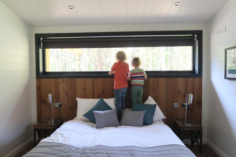 Darwin Forest Lodge master bedroom
