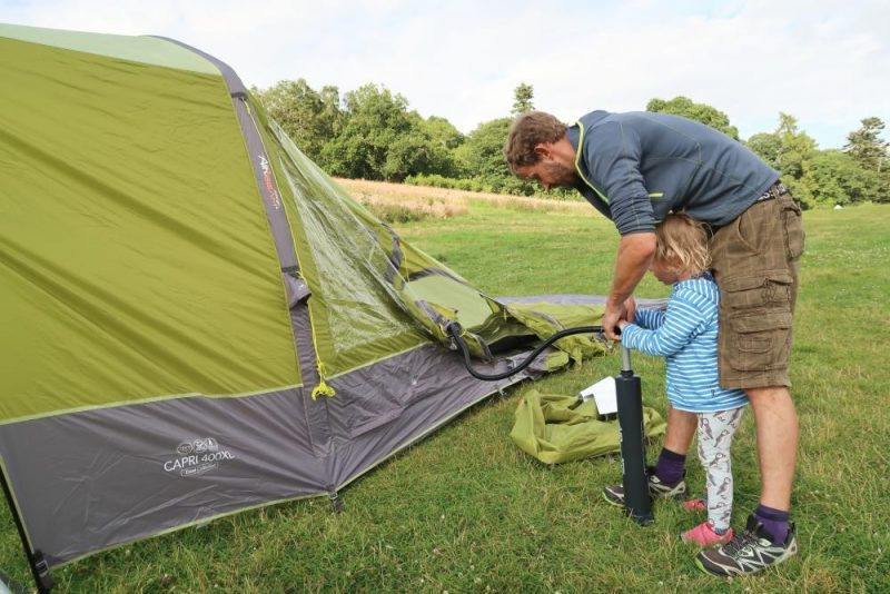 inflating aribeam tent with pump