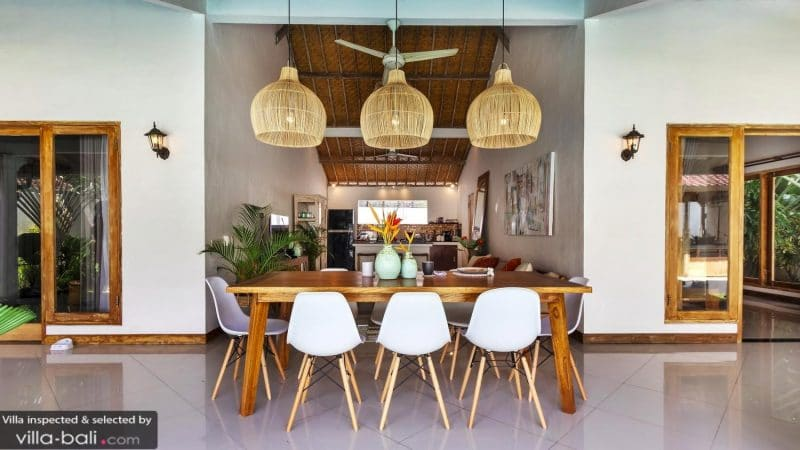 Bali villa, dining table and chairs
