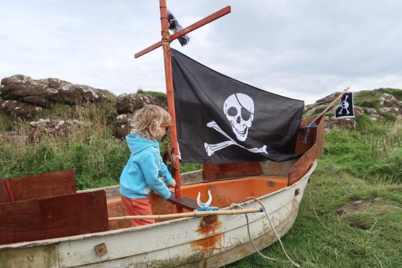 pirate ship child playing