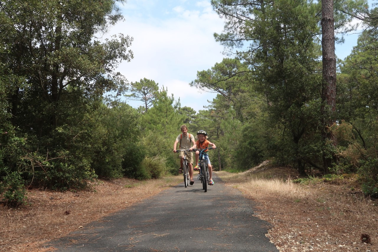 family cycling france