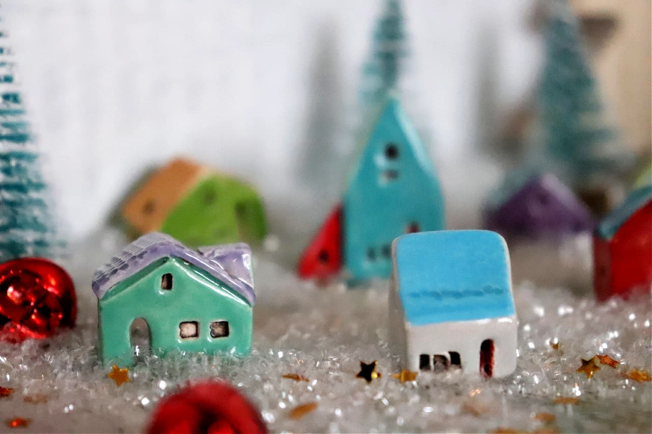 small ceramic houses Bo Hulley